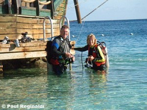 Paul & Cindy Getting Ready for Beach Dive