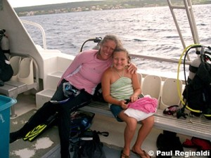 Bobbi & Maria on Dive Boat
